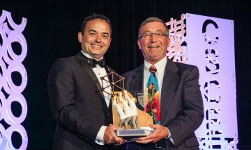 Distinguished alumnus Jay Drew receives the CSCE-CANAM Innovation Award